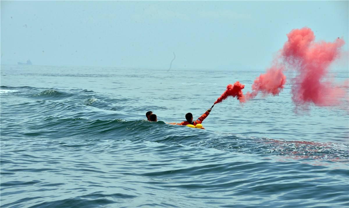 红外热成像技术可应用于海上救援的原因
