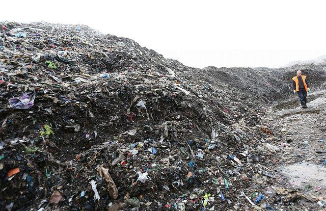 红外热像仪用于监测垃圾堆放